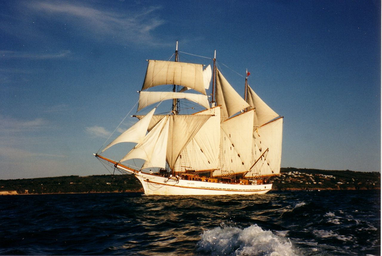 Alma Doepel Under Sail.wikiwand